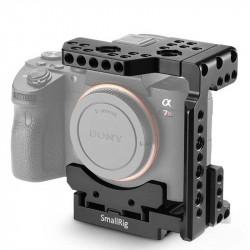 SmallRig 2098 Half Cage para Sony A7R III / A7III / A7II / A7RII / A7SII con sistema QR